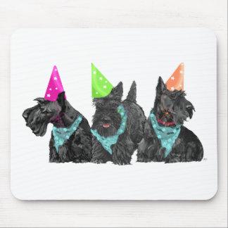 Escoceses de la celebración en gorras del fiesta alfombrillas de ratón