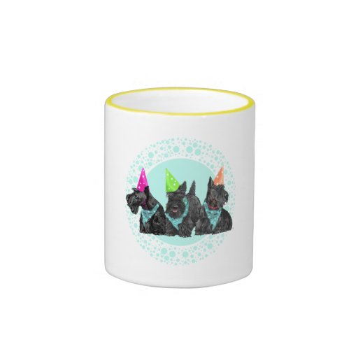 Escoceses de la celebración en gorras del fiesta taza de café
