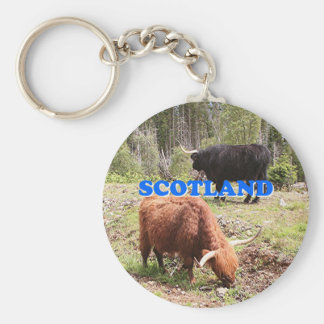 Escocia: dos ganado de la montaña llavero redondo tipo pin