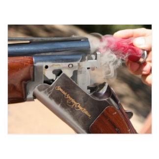 Escopeta especial de la edición de las arcillas tarjeta postal