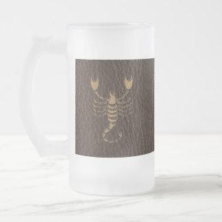 Escorpión de la Cuero-Mirada Tazas De Café