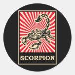 Escorpión del arte pop etiqueta redonda