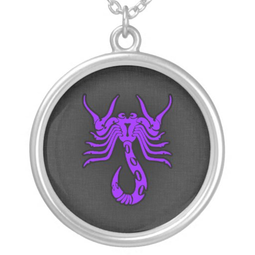 Escorpión púrpura violeta collares