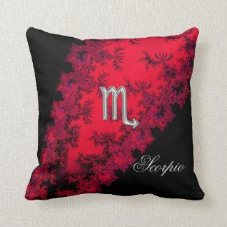 Escorpión rojo y negro de la muestra del zodiaco almohada