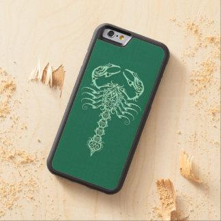 Escorpión tribal azul del trullo funda de iPhone 6 bumper arce