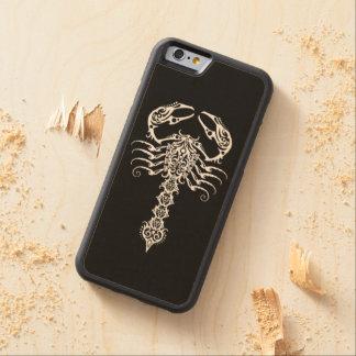 Escorpión tribal blanco en negro funda de iPhone 6 bumper arce