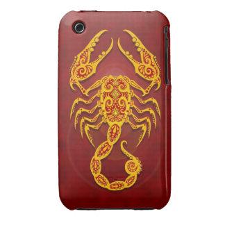 Escorpión tribal rojo de oro complejo iPhone 3 protector