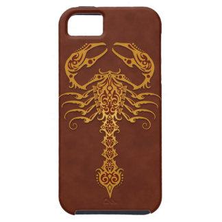 Escorpión tribal rojo de oro iPhone 5 carcasa