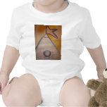 Escriba un imaginario absurdo hacia estado traje de bebé
