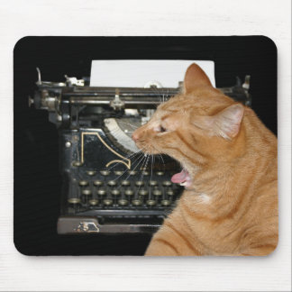 Escritor aburrido alfombrillas de ratón