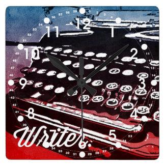 Escritor con arte pop del rojo azul de la máquina  reloj