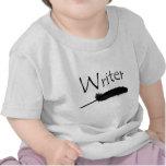 Escritor con la pluma de canilla camisetas