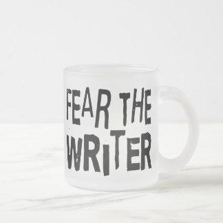 Escritor divertido taza de café
