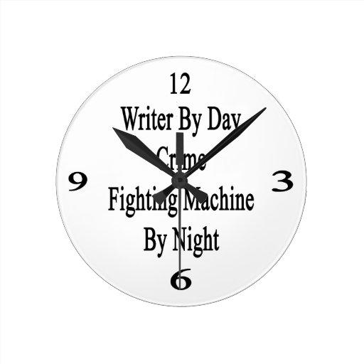 Escritor por la máquina que lucha del crimen del d relojes