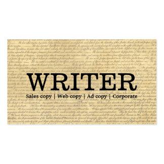 Escritor que trabaja independientemente de las tarjeta personal