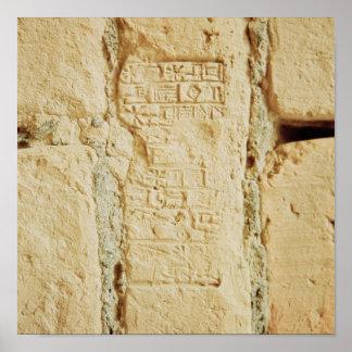 Escritura cuneiforme en una pared del palacio posters