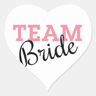 Escritura de la novia del equipo pegatina en forma de corazón