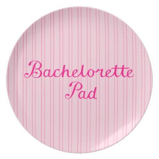 Escritura del cojín de Bachelorette en rayas rosad Plato
