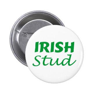 Escritura irlandesa del verde del perno prisionero pin