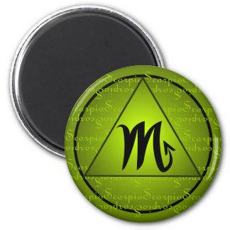 Escritura rizada del triángulo del verde de la mue iman