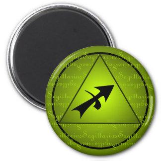 Escritura rizada del triángulo del verde del zodia iman de nevera