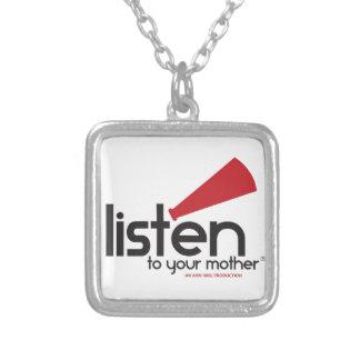 Escuche sus regalos de la madre collar plateado