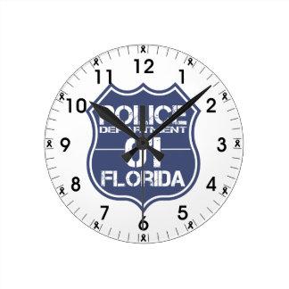 Escudo 01 del Departamento de Policía de la Reloj Redondo Mediano