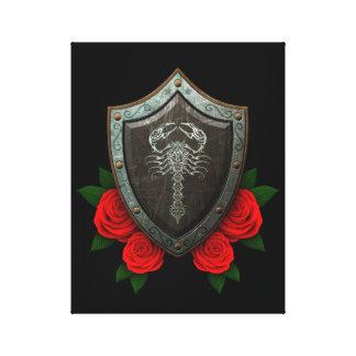 Escudo adornado gastado del escorpión con los rosa impresión de lienzo