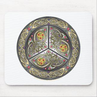 Escudo céltico Bejeweled Alfombrillas De Ratones