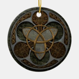 Escudo céltico de la trinidad adorno navideño redondo de cerámica
