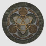 Escudo céltico de la trinidad etiqueta redonda