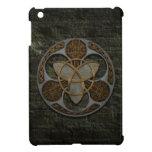 Escudo céltico de la trinidad iPad mini cárcasa