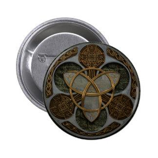 Escudo céltico de la trinidad pin redondo de 2 pulgadas