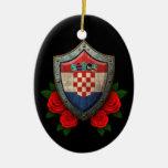 Escudo croata gastado de la bandera con los rosas  ornamento de reyes magos