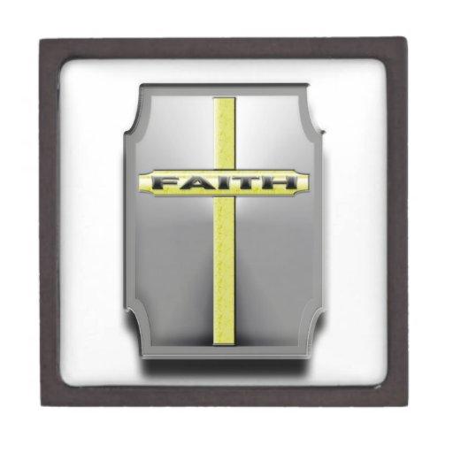 ESCUDO cruzado cristiano de la plata y del oro de  Caja De Recuerdo De Calidad