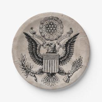 Escudo de armas americano pasado de moda platos de papel