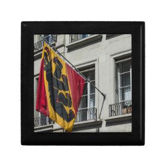 Escudo de armas - Berna - Suiza Joyero Cuadrado Pequeño