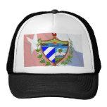 Escudo de armas cubano en bandera cubana gorras de camionero