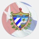 Escudo de armas cubano en bandera cubana etiqueta redonda