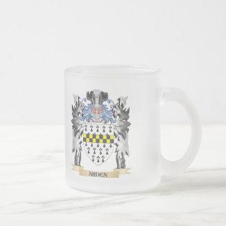 Escudo de armas de Arden - escudo de la familia Taza Cristal Mate