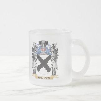 Escudo de armas de Calhoun - escudo de la familia Taza Cristal Mate
