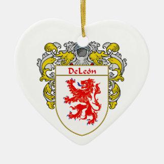 Escudo de armas de DeLeon/escudo de la familia Adorno Navideño De Cerámica En Forma De Corazón