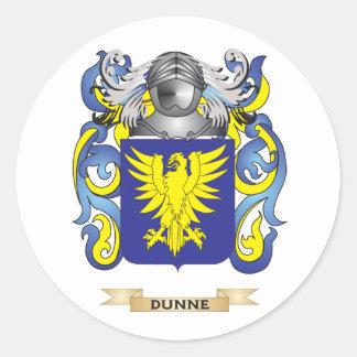 Escudo de armas de Dunne Pegatina Redonda