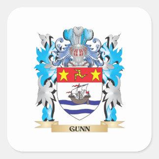 Escudo de armas de Gunn - escudo de la familia Pegatina Cuadrada
