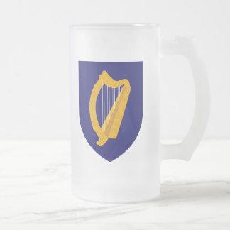 Escudo de armas de Irlanda Taza De Cristal