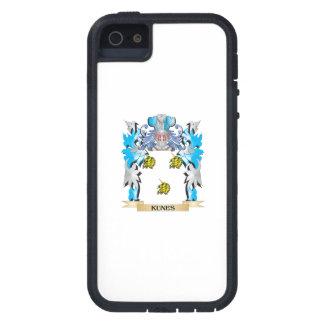 Escudo de armas de Kunes - escudo de la familia iPhone 5 Protectores