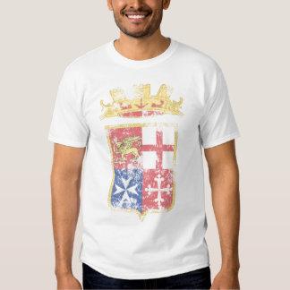 Escudo de armas de la camiseta de la marina de camisas
