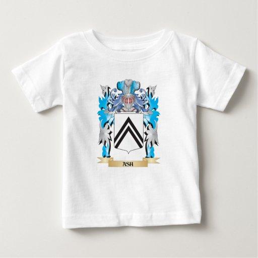 Escudo de armas de la ceniza camisetas