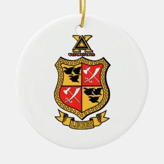 Escudo de armas de la ji del delta adorno navideño redondo de cerámica