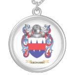 Escudo de armas de Leonard (escudo de la familia) Collar Personalizado